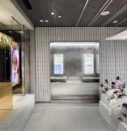 这个便利店像个展览厅,打破传统便利店的思维模式
