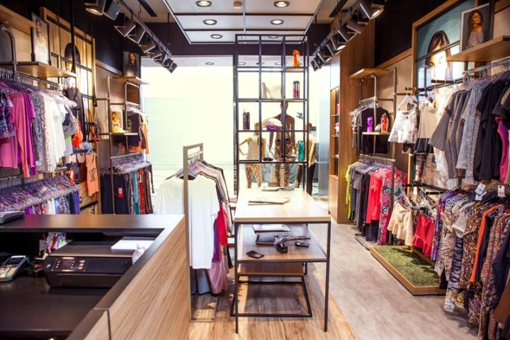 LIVE-Store-by-FAL-Design-Estrategico-Sao-Paulo-Brazil-03